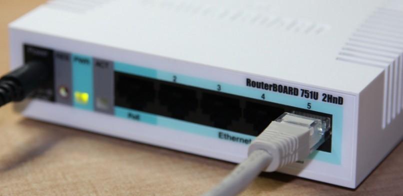 Symulacja routerów Mikrotik w środowisku GNS3