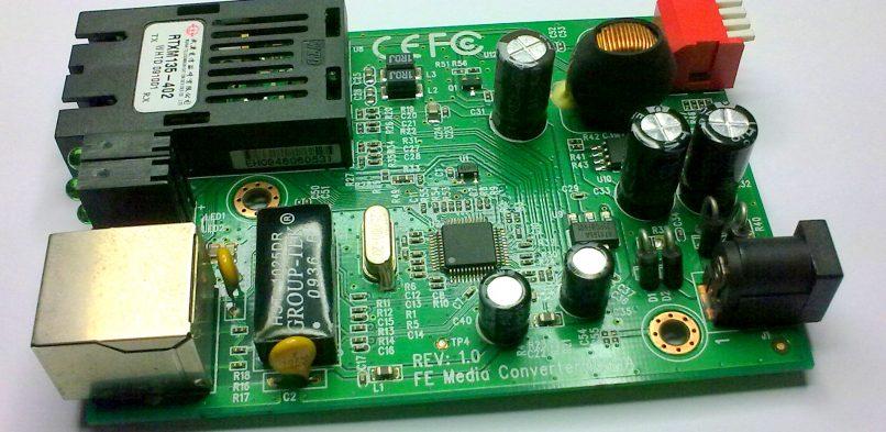 Naprawa konwerterów światłowodowych MC110CS – dwa różne warianty sprzętowe